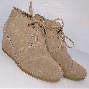 TOMS Suede Desert Wedge Tan Lace Up Bootie